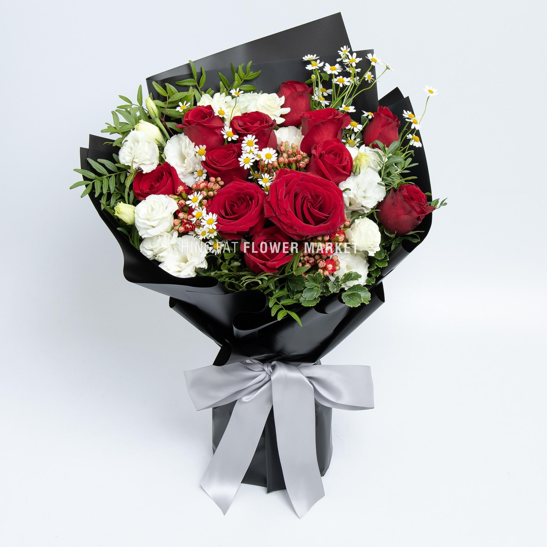 紅玫瑰桔梗花束
