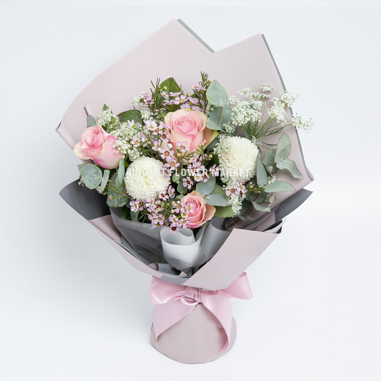 粉玫瑰乒乓菊花束