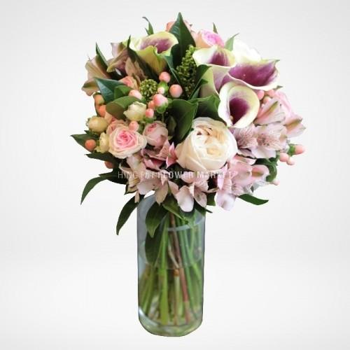 - 馬蹄蘭玫瑰花球
