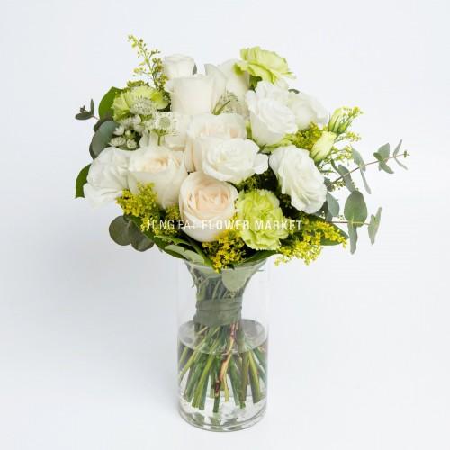 - 米白玫瑰桔梗連花瓶