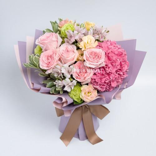 - 粉繡球玫瑰花束