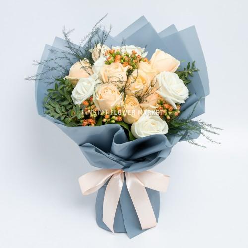 - 米白玫瑰家樂花花束