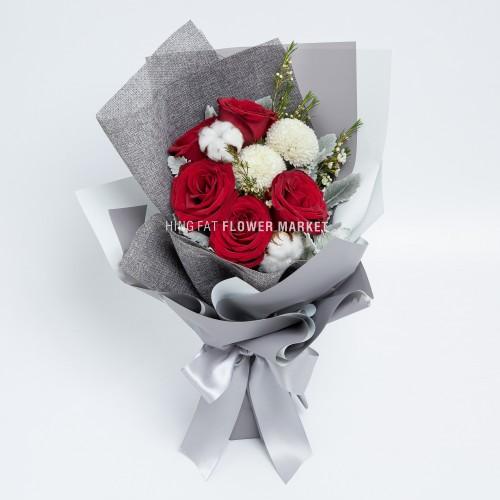 - 紅玫瑰棉花花束