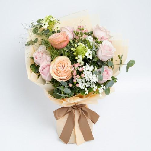 - 庭園玫瑰大眼雀梅花束