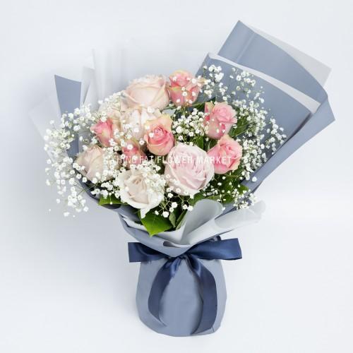 - 粉玫瑰滿天星花束