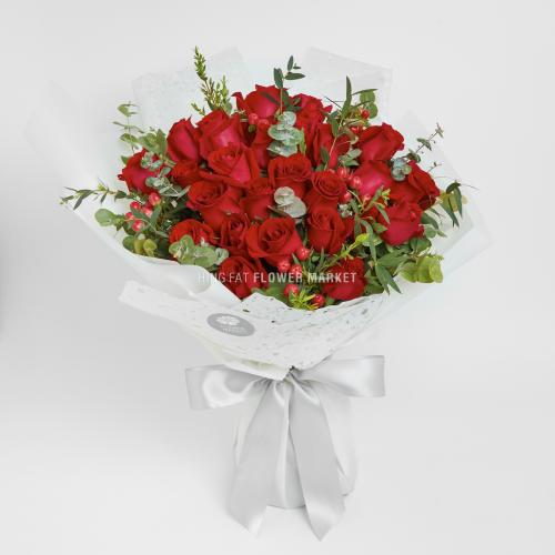 - 紅玫瑰紅豆花束